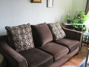 LIVING ROOM 3 PC SET MINT COND,