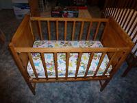petit lit de bebe a vendre