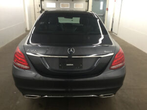 Superbe mercedes C300 2015 fully equipped