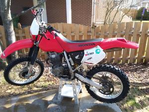 Honda xr400 2002 2500$ nego