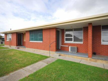 Neat 2 Bedroom Renovated Unit Christies Beach Morphett Vale Area Preview