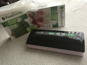 Ivation Vacuum Sealer plus 2 set of FoodSaver Rolls