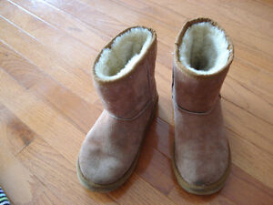 Brown Girls Size 3 Uggs Winter Boots London Ontario image 6