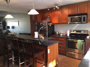 Room available in Brentwood - Close to UofC & Brentwood Station
