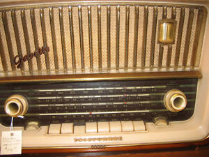 Vintage Telefunken Gavotte Radio no. 5353W 1962- working Kingston Kingston Area image 2