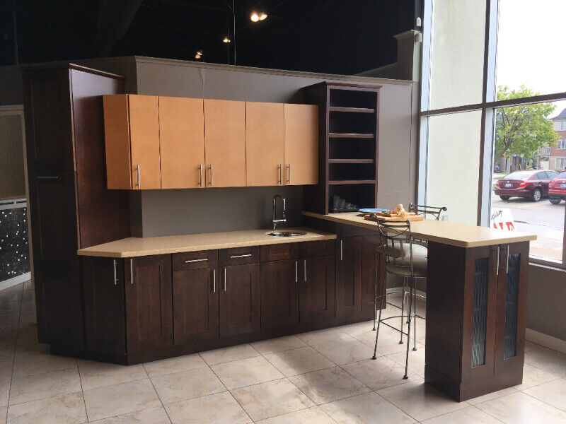 SOLD : Custom Kitchen Cabinets and Countertops (Display ...