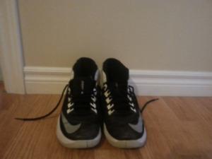 Size 9 mens nike basketball shoes