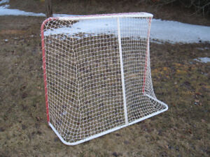 For Sale - Hockey Net - Metal Frame - Excellent Condition