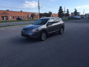 2013 Nissan Rogue SV SUV, Crossover (Safety & E-Test)