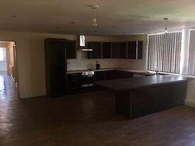 Modern 3 bedroom Flat in Gorton/ Redish