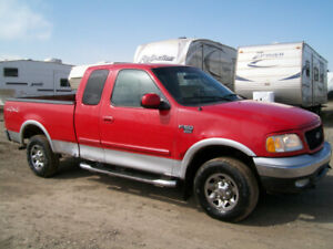 GREAT RUNNING 2003 FORD F-150 4X4 XLT SHORT BOX LOOK!! $1900