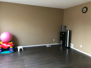 Roommate needed in 3 bedroom townhouse at Highland area