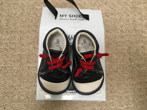 Jacl & Lily leather shoes - size 6-12 months - NEW in the box