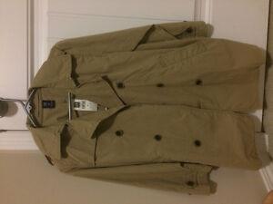 brand new GAP trench coat (boy), size M (8)