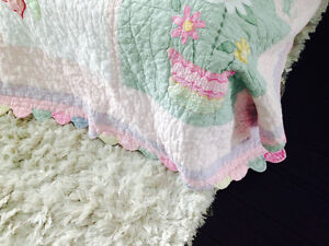 Girls quilt and pillow sham- Single bed. Strathcona County Edmonton Area image 2