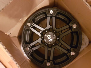 Brand new rims never open accpect one for pics
