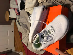 Nike all white free runs size 13 great condition!