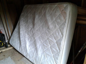 single bed and queen bed mattress - fee