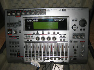 Boss Br 1600cd, with case power supply and manual.