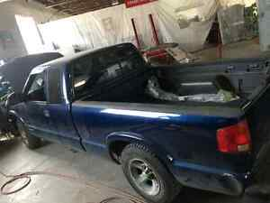 Chevy s10 no its not 4 cylinder 2003 rwd