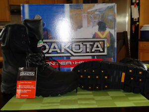 Brand New Mens Dakota Winter Work Boots 11New gloves coveralls
