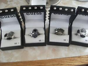 GUESS RINGS