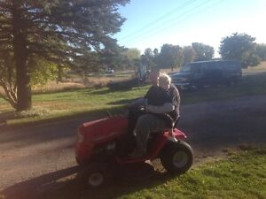 RIDIG LAWN MOWER 6 SPEED WITH REVERSE