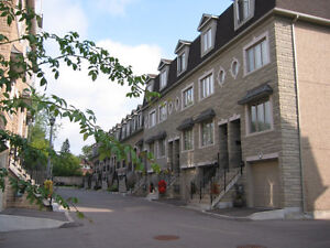Prime Location -Yonge & Finch 3 Bdr Executive Townhouse