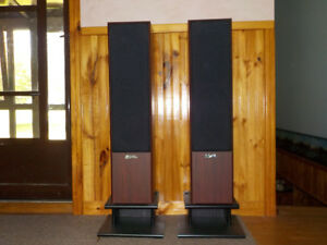 >>>>  Sound Dynamics R515 speakers  <<<<
