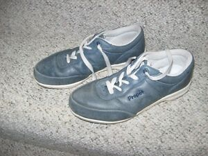ladies shoes-blue Propet walkers  size 9 nearly new