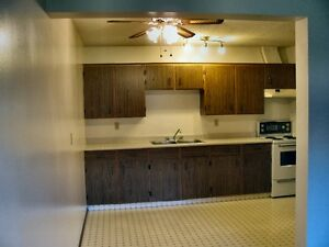 1 MONTH FREE!!!   Available April 1st –  1 Bed. Apt