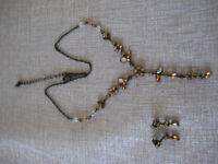 Necklace and earrings!! Beautiful and excellent condition!!