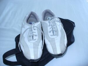 SOULIERS GOLF / GOLF SHOES