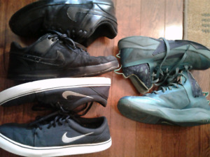 3 pair of Nike shoes for only $20