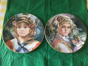 2 Royal Doulton Plates - Collectables