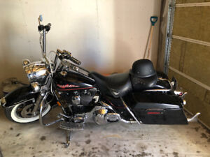 94 Road King with 21,xxx kms  $12,000 OBO