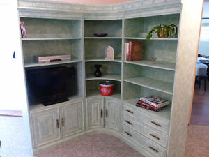 FOR SALE 3 PEACE GREEN SHELVES WHALL UNIT