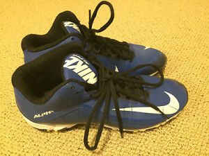 Nike cleats - size 9