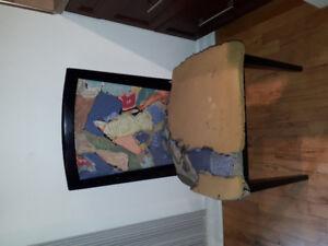 Chaises en bois / Wooden Chairs