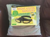 National Geographic™ Night Vision goggles