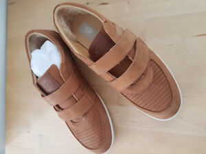 UGG Men's Leather Casual Sneaker Shoes.
