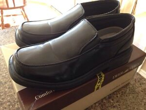 Boys dress shoes. Size 4