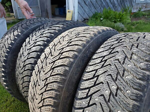 4 Nokian Hakkapellitta 8 studded Winter Snow tires steel rims