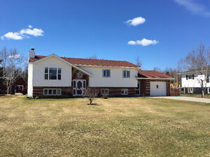**SALE PENDING**  BY ROYAL LEPAGE - 45 Valleview Drive