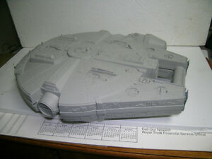 Star Wars Millennium Falcon figure carrying case Kitchener / Waterloo Kitchener Area image 1