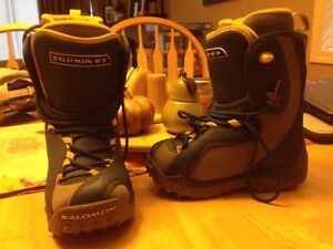 Snowboarding boots size 3