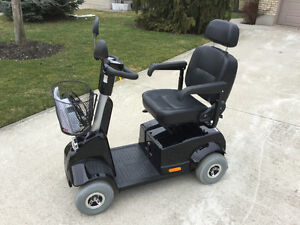 Like new used 3 months fortress mobility  4 wheel Sarnia Sarnia Area image 1