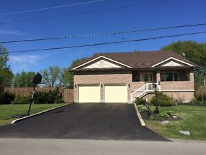 LG CRESCENT PARK HOME 2680 SQ FT  FORT ERIE OPEN HOUSE SUN 2-4PM