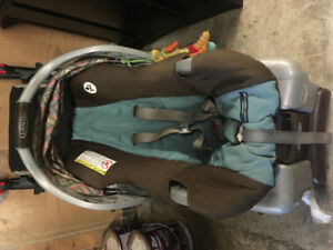 Graco Snugride Classic Connect 30 + stroller