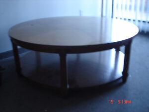 sofa 4 places antiq....................aussi chaise, table salon West Island Greater Montréal image 4